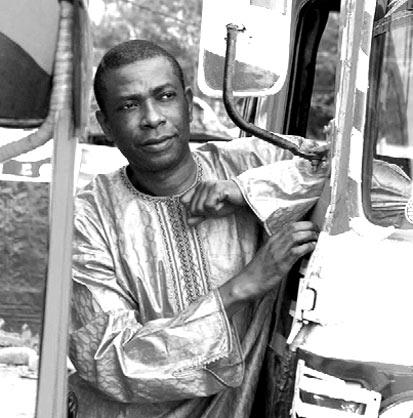 http://www.au-senegal.com/IMG/jpg/YoussouNDour.jpg