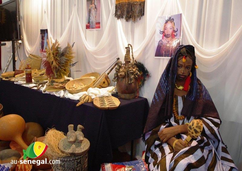 Salon du mariage de Dakar : modernité et tradition - Au Sénégal, le ...