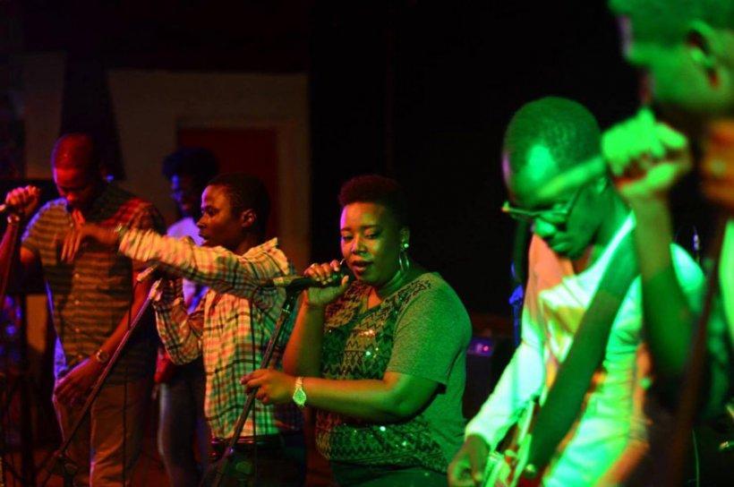 soirée live du groupe Ndumbeland-sénégal