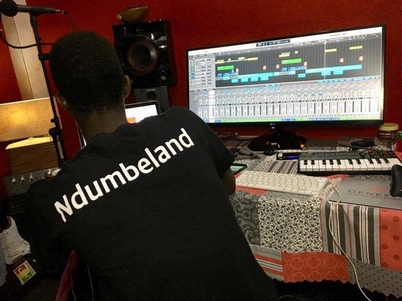 studio d'enregistrement Ndumbeland prod-sénégal